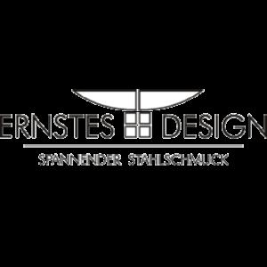 Ernstes Design Spannender Stahlschmuck